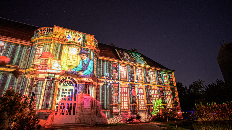 Découverte libre de Chartres en lumières à pied