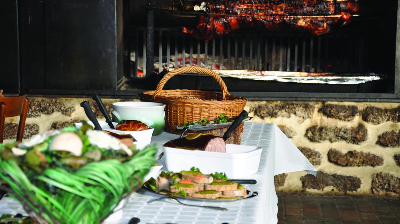 Déjeuner terroir à l'auberge et après-midi dansant