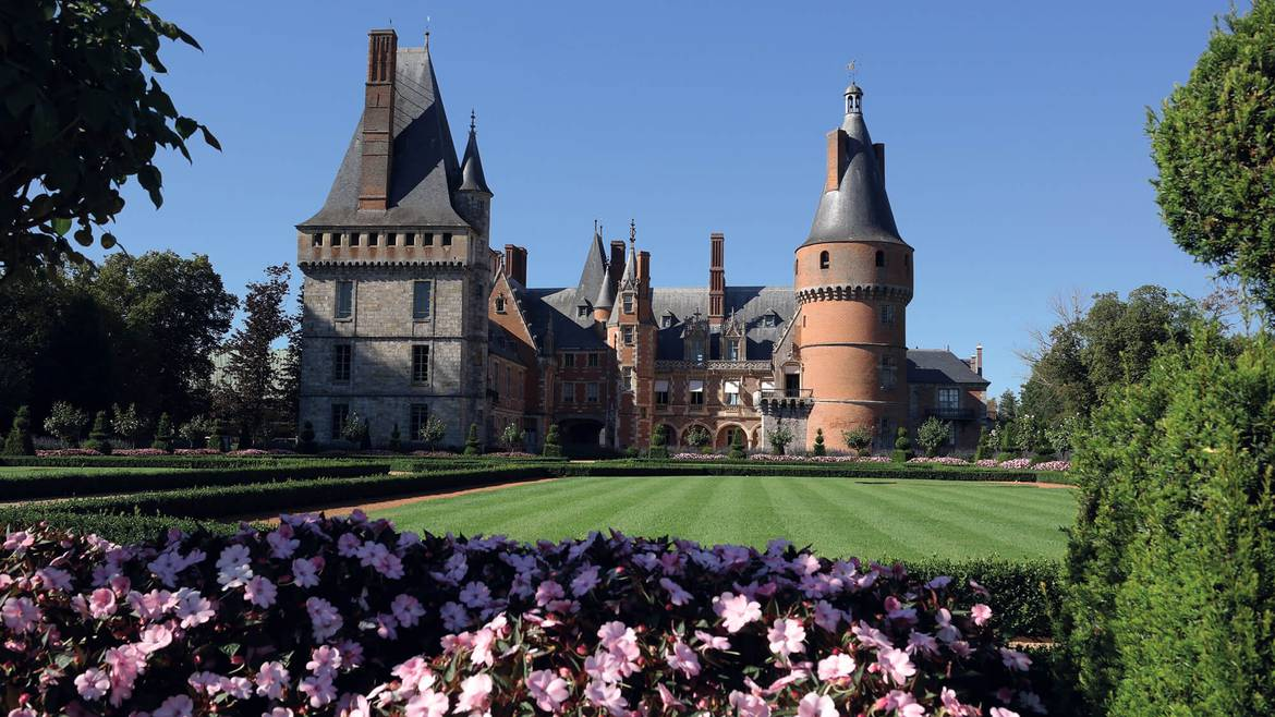 Guided tour of Maintenon Castle and its gardens