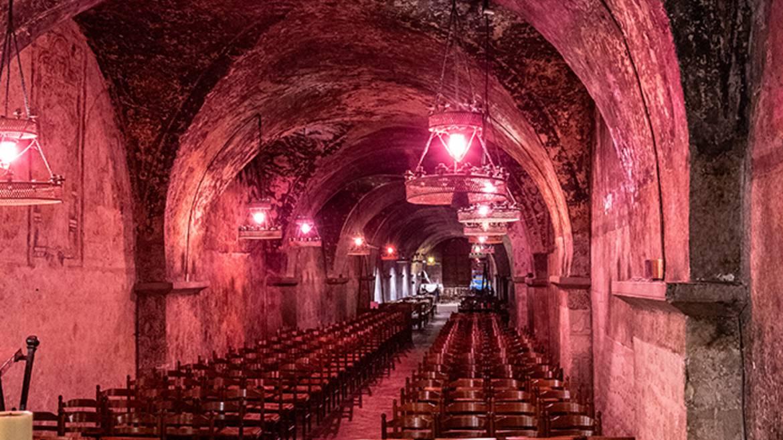 Visite guidée de la crypte de la cathédrale à la lueur de la bougie